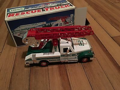 Hess 1994 Rescue Truck w/ Real Lights, Siren, Horn & Ladder New in Box