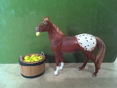 Breyer Standing Stock Horse Stablemate, CM to Chestnut Appaloosa, Apple in Mouth