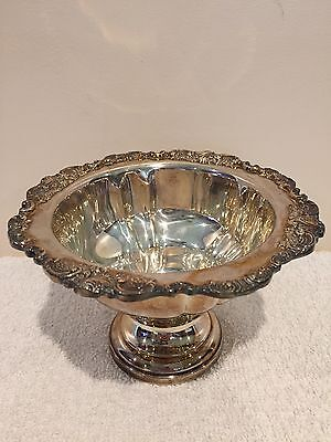 Vintage Wallace BAROQUE Silverplate Footed Pedestal Center Bowl Compote No 227
