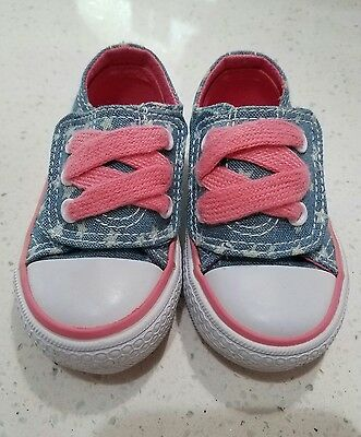 NEW GIRL INFANT BABY TODDLER GIRLS TENNIS SHOES SIZE 2 pink