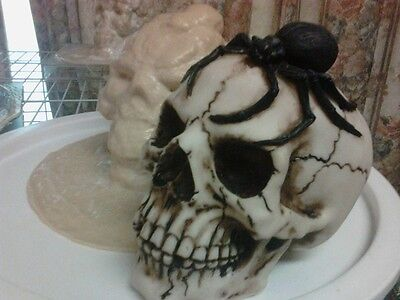 Skull with Spider Mold Latex for Concrete , Plaster even Wax !