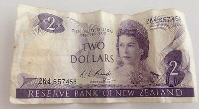Vintage Reserve Bank of New Zealand Two Dollars 2 Dollar Bill