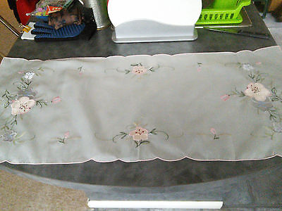 Pretty Vintage  Embroidered Applique Fine Lawn Table Runner/mat