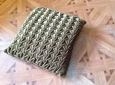 1970s VINTAGE GREEN VELVET CUSHION RETRO KITCH DESIGN Kitsch G Plan Sofa