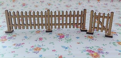 Pack Of 4 Picket Fence Panels + 1 Garden Gate Fairy Accessory Free Standing