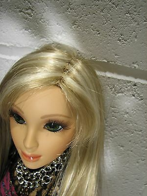 "Hasbro LORIFINA 20"" Articulated Fashion Doll Highlighted Blonde Wig GREEN Eyes"