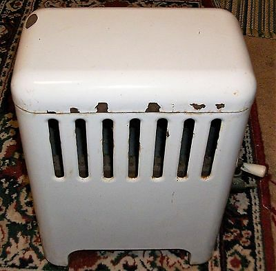ANTIQUE VINTAGE ENAMELED WHITE PROPANE HEATER MONTGOMERY WARD 30s-40s ADORABLE