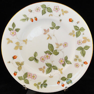 """WILD STRAWBERRY Wedgwood SALAD PLATE 8.25"""" NEW NEVER USED made in England"""