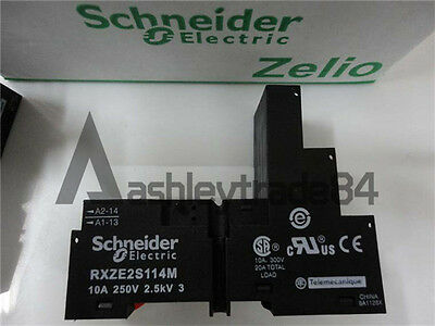 Schneider Relay Socket RXZE2S114M New In Box