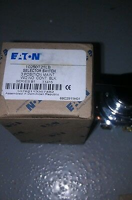 NEW IN BOX EATON CUTLER HAMMER 3 Position Maintained Selector Switch 10250T 21LB