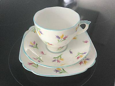 Roslyn  Bone China Trio Hand Painted Tulips No7287 Made  In England Blue Trim