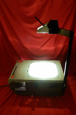 3M Series 905 Overhead Projector 410 Watt Extra Bright Extra Large Projection