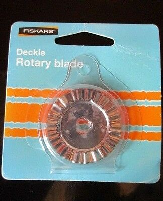New FISKARS 45MM DECKLE BLADE Suit Desktop or Handheld Rotary Cutter
