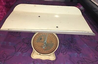 Vintage Pink and Blue Baby Scale; Weighs 30 pounds by ounces