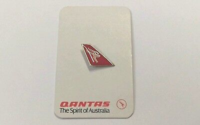 Qantas Airways With Backing Card Pin /  Badge