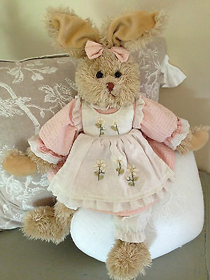 Peluche doudou lapin collection LOUISE MANSEN