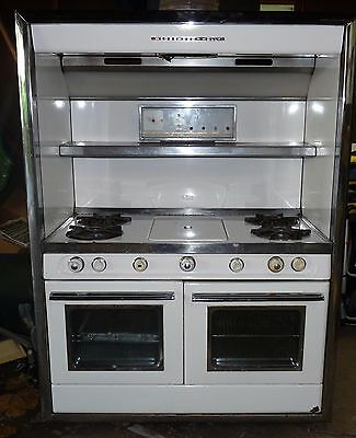 WEDGEWOOD HOLLY GAS Stove 4 Burners and Ctr Grdle Good Condition Built in  1950's