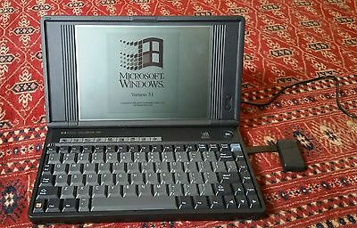 Vintage 1993 Laptop HP OmniBook 300