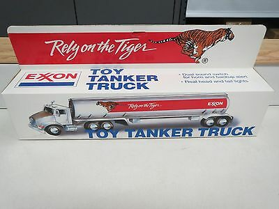 Exxon 1993 Tanker #2 In Series-Nib