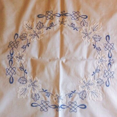 VINTAGE BLUE & WHITE MACHINE EMBROIDERED SUPPER CLOTH - 86cm X 86cm APPROX