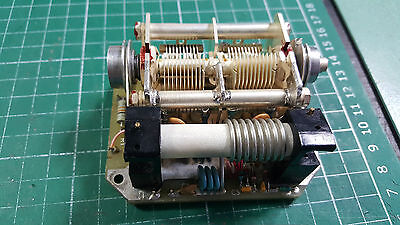 2 x VARIABLE AIR CAPACITOR WITH TUNABLE INDUCTOR , MILITARY PART