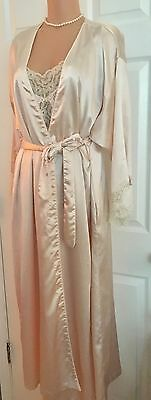 LOVELY VINTAGE DIOR POLY CHARMEUSE PALE PINK PEIGNOIR SET -Sz M (36-38)
