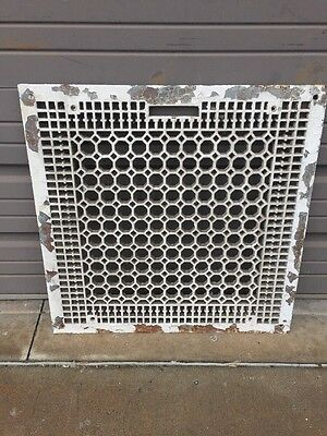 Amg 57 Antique Honeycomb Design Cast-Iron Floor Or Wall Grate 26 1/2 In.²