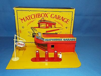 Matchbox Moko Garage Showroom and Service Station set Near mint boxed