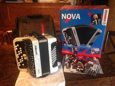 accordéon chromatique hohner nova  i i40 blanc
