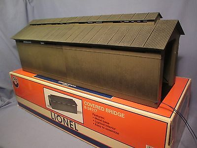 O Gauge Lionel Covered Bridge - Lighted /    AR 291