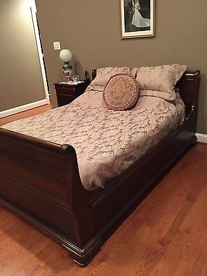 Jamestown Sterling Solid Cherry 5 Piece Queen Bedroom Set