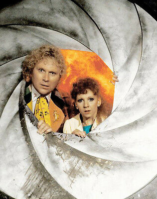 Colin Baker and Bonnie Langford UNSIGNED photo - H8035 - Doctor Who