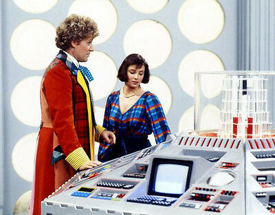 Colin Baker and Nicola Bryant UNSIGNED photo - H8053 - Doctor Who