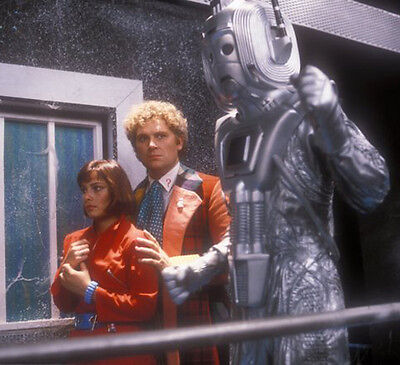Colin Baker and Nicola Bryant UNSIGNED photo - H8060 - Doctor Who
