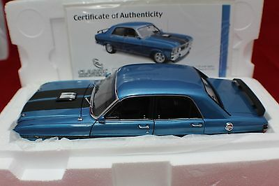 1-18 Classic Carlectable Electric Blue Ford Falcon XY GT-HO Phase III  #18288
