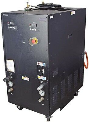 Bay Voltex BV Thermal Systems HREHT4050-DCG 12000W Recirculating Chiller