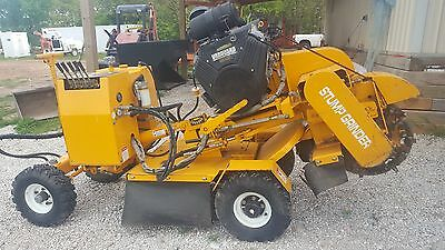 Carlton 4012 Stump Grinder Sandvik wheel 35 hp vanguard