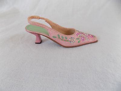"""2002 Just the Right Shoe """"Pretty in Pink"""" by Raine #25179 - Never Displayed COA"""