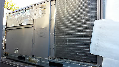 Carrier WeatherMaster 10 Ton, roof top High Efficiency Heat Pump, 2009 Surplus
