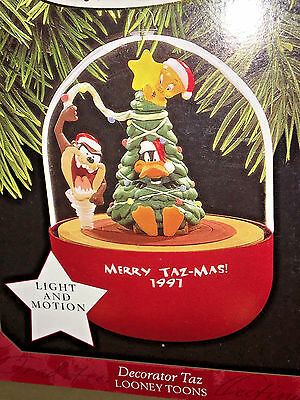 HALLMARK Keepsake 1997 DECORATOR TAZ  Looney Tunes CHRISTMAS ORNAMENT Motion NEW