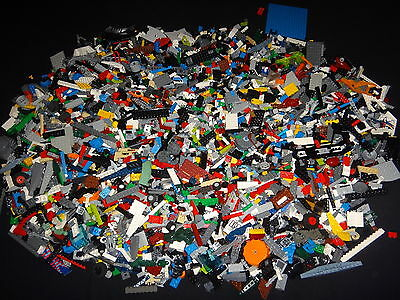 Massive Lot of Mixed Genuine Lego Bricks and parts weighing just under 9KG