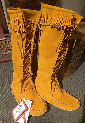 Moccasin indian Huron Woman manufactured in Canada
