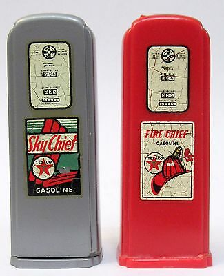 Cloverdale CA 1950's TEXACO pair of matched GAS PUMP salt & pepper shakers set *