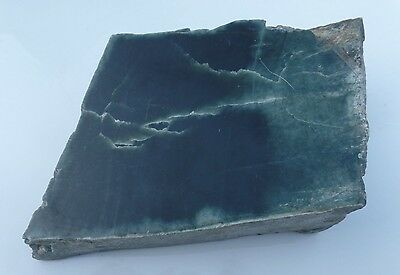 Australian nephrite jade mineral specimen lapidary carving cabbing rough  A1384