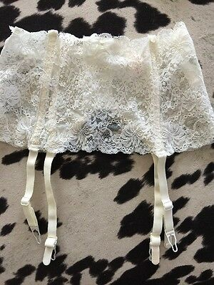 New Without Tags  Lovable Cream  Lace Stretchy Garter Belts Private Interlude L