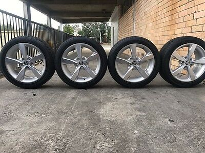 Holden Commodore VF VE WHEELS AND TYRES 18 Inch GENUINE USED