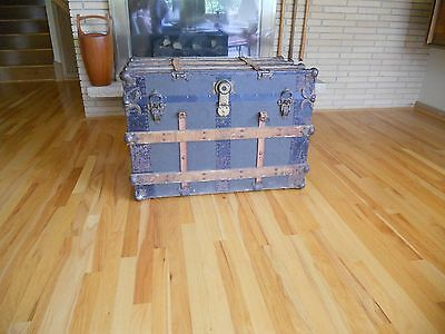Antique Vintage stagecoach trunk chest nice patina Flat top coffee table Handles