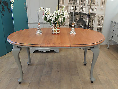 Beautiful shabby chic antique oval extending dining table