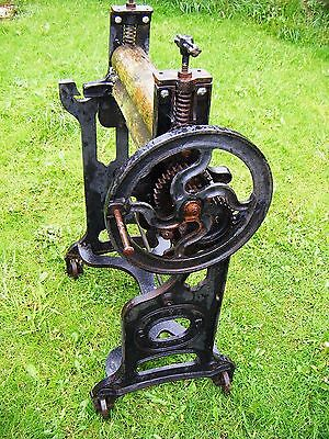 "Antique Vintage Cast Iron Mangle  "" The Pixie "" Ct  12  Spares Or Repairs"