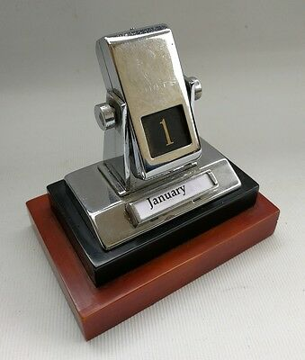 Vtg Art Deco Perpetual Odeon Style Chrome & Bakelite Calendar Desk Top Calendar